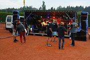 Motoband zahrál ve Zruči nad Sázavou.