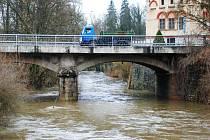 Řeka Doubrava ve Žlebech.