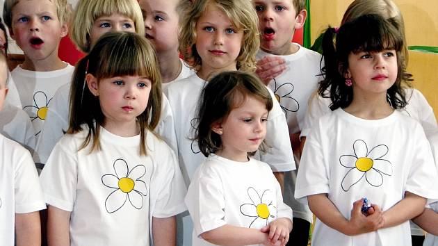 Děti z MŠ Benešova II vystoupily v Domově Barbora