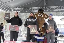 Spartan Tomáš Tvrdík (uprostřed) při vyhlášení Winter Spartan Race na Dolní Moravě, 14. ledna 2017.