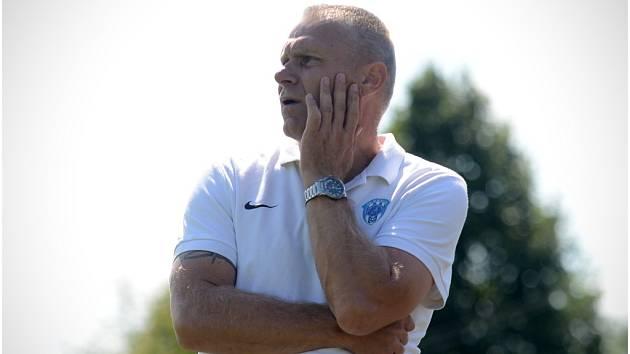 Trenér FK Čáslav Oldřich Abrhám.