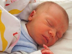 Adam Hejský se narodil 27. října v Čáslavi. Vážil 3300 gramů a měřil 50 centimetrů. Doma v Kutné Hoře ho přivítal bráška Vojta, maminka Jana a tatínek Radovan.