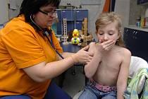 Počet onemocnění chřipkou narůstá v současné době nejrychleji mezi školáky