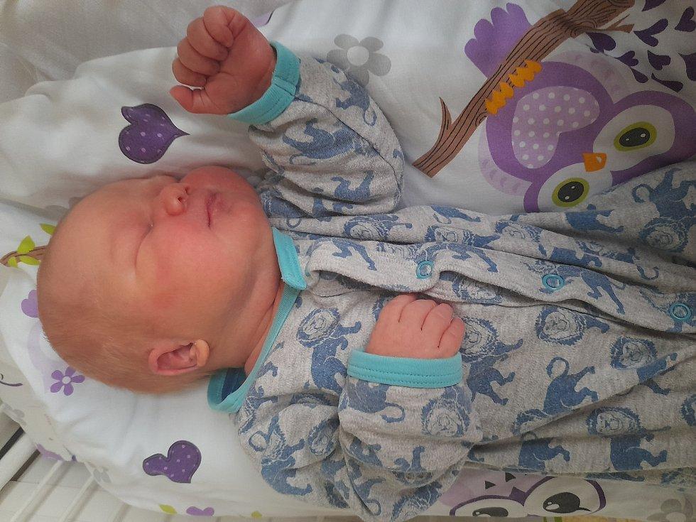 Jan Vejdělek se poprvé na svět podíval 6. září 2021 v 9.39 hodin v čáslavské porodnici. Pyšnil se porodní váhou 4530 gramů a délkou 53 centimetrů. Doma v Třemošnici ho přivítali maminka Nikola a tatínek Jan.