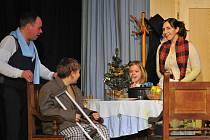 Spolek Uhlíř nastudoval divadelní představení Vánoční sen