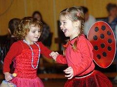 Dětský karneval se uskutečnil v sobotu odpoledne v sokolovně v Kutné Hoře.