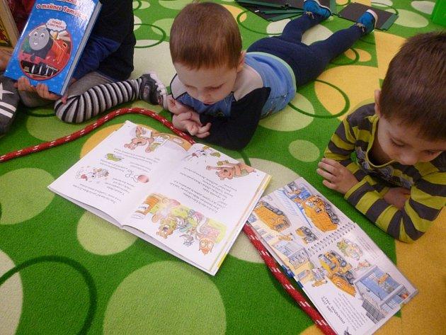 Projektový den se skřítkem Knihovníčkem v MŠ 17. listopadu v Kutné Hoře.