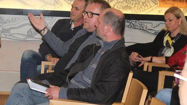 Ze setkání podnikatelů a zástupců vedení města v Dačického domě v Kutné Hoře.