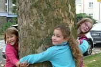 Děti v Jiráskových sadech v Kutné Hoře.