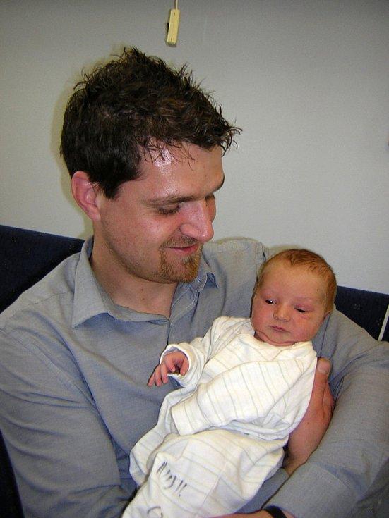 Dominik Růžek se poprvé na svět podíval 31. března 2019 v 15.37 hodin v čáslavské porodnici. Pyšní se mírami 3450 gramů a 51 centimetrů. Doma ve Chvaleticích se na něj těší maminka Iveta a tatínek Martin.