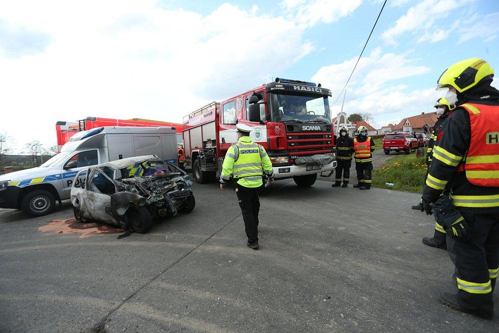 Tragická dopravní nehoda přibližně na úrovni Okřesanče v pátek 7. května 2021.
