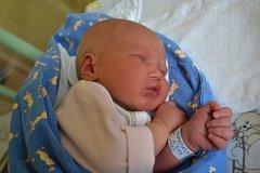 František Kadlec se narodil 28. května v Kolíně. Měřil 51 centimetrů a vážil3730 gramů. Mamince Pavle a tatínkovi Pavlovi dělá radost doma v Kutné Hoře.