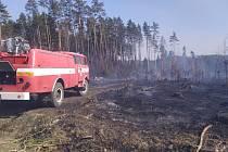 Požár lesa u vesnice Kozohledy na Kutnohorsku.