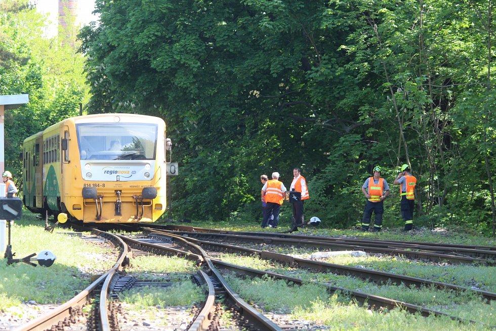 Vlak srazil muže. Ilustrační foto.