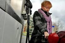 Nejlevnější tankování v současné době nabízí čerpací stanice Lukoil