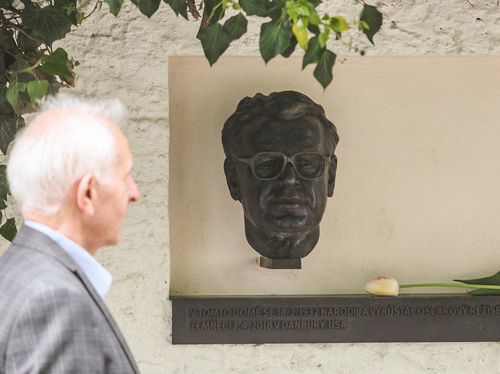 Ze slavnostního odhalení busty oscarového režiséra Miloše Formana na jeho rodné domě v Čáslavi.