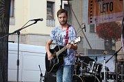 Na Palackého náměstí zahrály kapely Lure of Senses a Liebesbrief band.