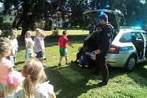 Policisté navštívili příměstský tábor v obci Nupaky.
