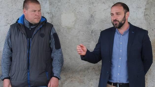Ze setkání ve Vidicích, kde došlo k podepsání Memoranda o vzájemné spolupráci proti současnému umístění a provedení stavby vysokorychlostní trati.