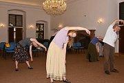 Letní škola starých tanců v Ratajích nad Sázavou.