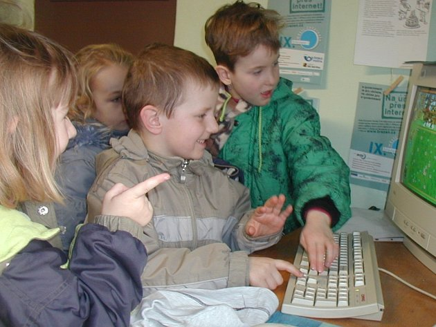 Dětu v miskovické knihovně.