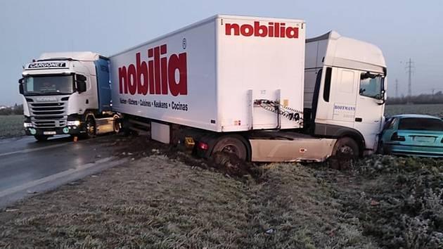 Dopravní nehoda na silnici I/38 u Malína v sobotu 21. listopadu 2020.