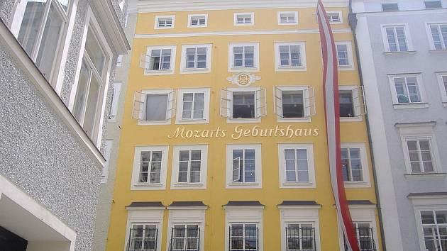 Rodný dům hudebního skladatele Wolfganga Amadea Mozarta v Salcburku.