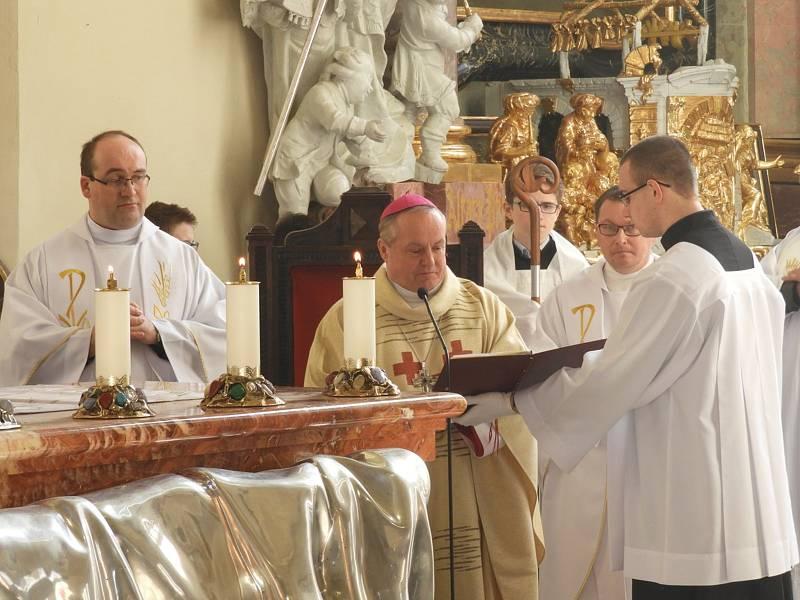 Mše za oběti komunistické zvůle v klášteře v Želivě.