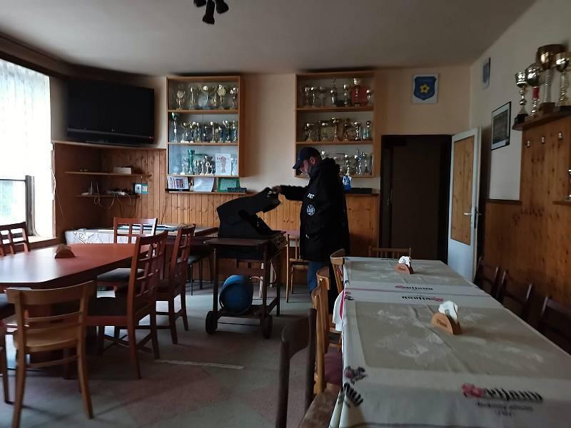 Zápas I. B třídy (sk. D) Jiskra Zruč nad Sázavou - Kondrac (3:2pk). Fotbalová hospoda.