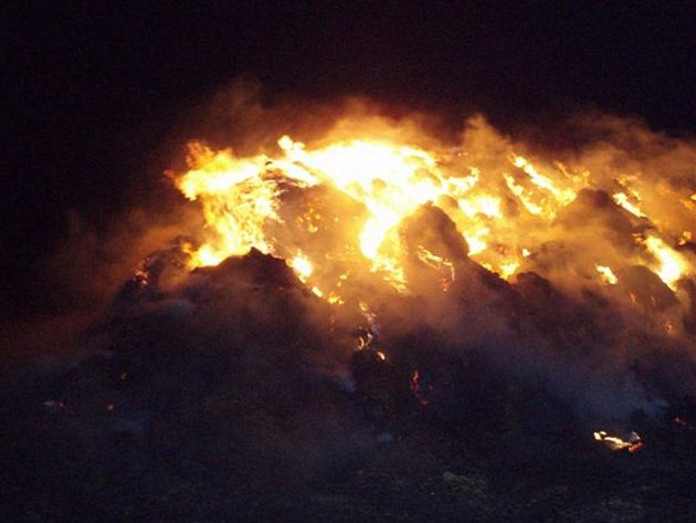 Požár stohu slámy v Petrovicích II.