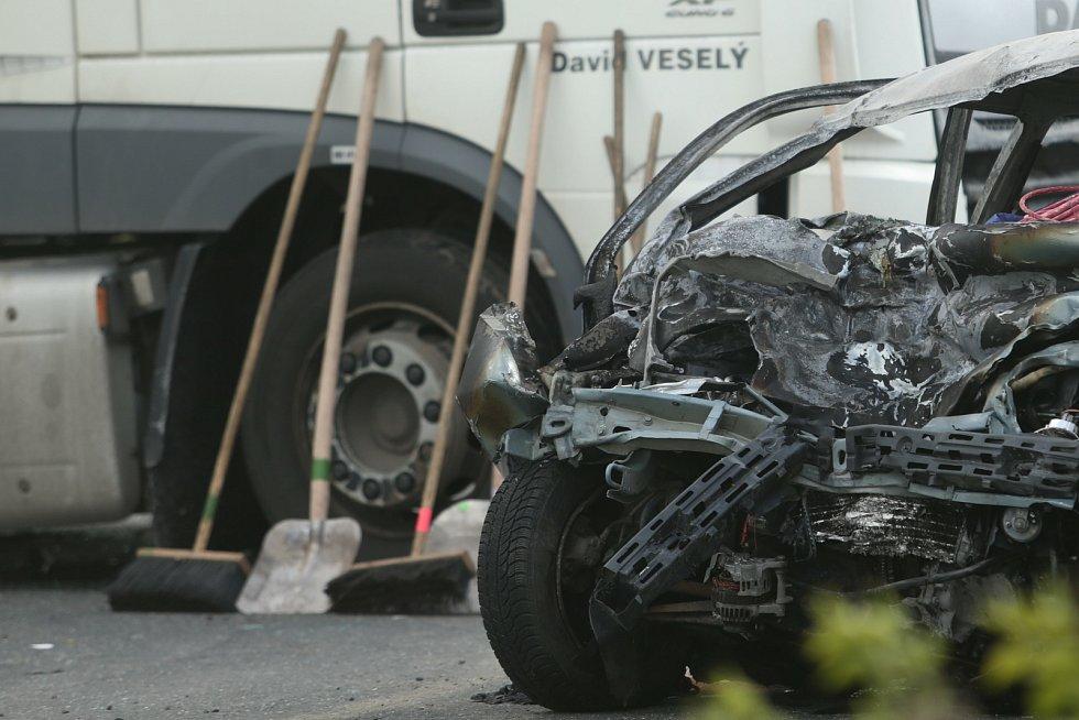 Tragická dopravní nehoda na silnici I/38 u Okřesanče a Golčova Jeníkova.