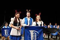 Z vánočního koncertu kapely Věnovanka v Dusíkově divadle v Čáslavi.