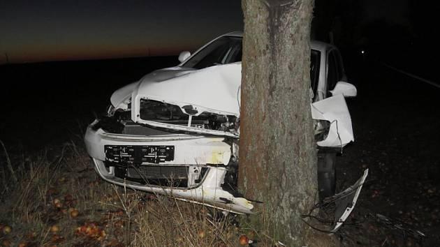 Dopravní nehoda na silnici II/125 mezi Kácovem a Zbizuby.