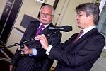 Prezident Václav Klaus otevřel modernizovanou část provozu kutnohorské továrny Philip Morris