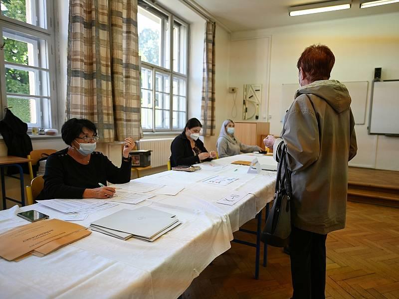 Parlamentní volby na Střední průmyslové škole v Kutné Hoře.