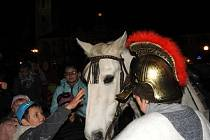 Čáslav přivítala svatého Martina na bílém koni.