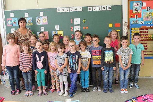 Na fotografii jsou žáci ze ZŠ Jana Palacha vKutné Hoře, třída 1.C. paní učitelky Jiřiny Vlasákové.