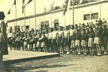 Slavnostní otevření sokolovny v Křeseticích v září roku 1948.