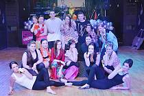 Maturanti z obchodní akademie v Čáslavi si páteční ples užili