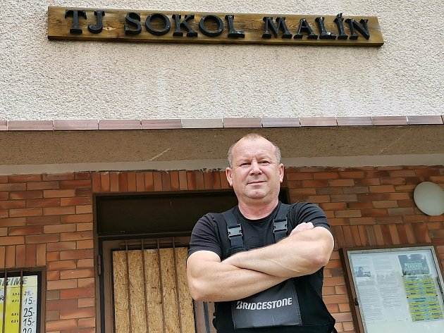 Předseda TJ Sokol Malín Miroslav Zvolánek.