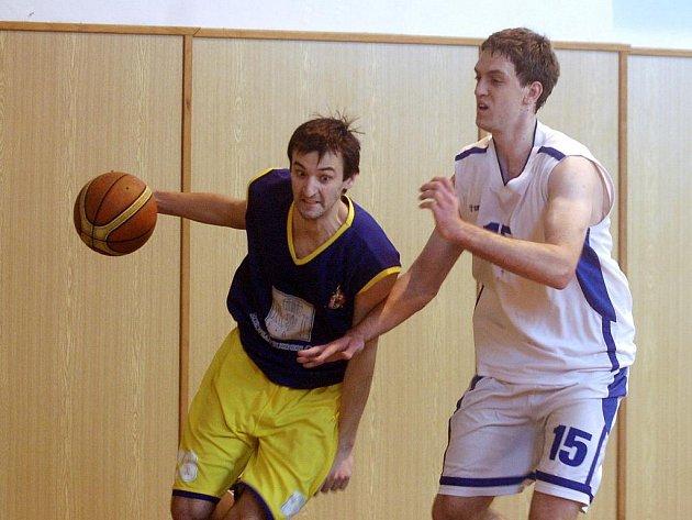 18. kolo basketbalové KP 1: Kutná Hora - Mělník 69:68, 29. ledna 2012.