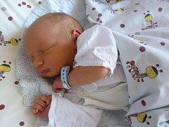 Aleš Blabolil se narodil 28. září v Čáslavi. Vážil 3750 gramů a měřil 51 centimetrů. Doma v Golčově Jeníkově ho přivítali maminka Veronika a tatínek Jiří a bratr Ondra