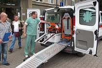 Nové sanitky v čáslavské nemocnici.