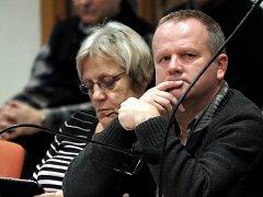 Neumožnění zvolení Zdeňka Hadrovského na pozici po odvolané místostarostce Moravčíkové je jedním z důvodů vypovězení koaliční smlouvy ze strany kutnohorské ČSSD.