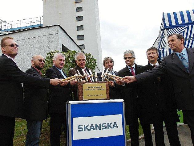 Poklepání na základní kámen projektu Kutnohorsko - Čáslavsko se konalo v pátek v areálu kutnohorské čistírny.