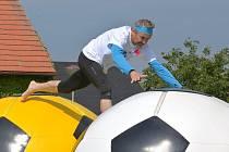 Družstva si užila zábavu při akci Sokolské hry bez hranic.