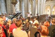 Mezinárodní hudební festival Kutná Hora: zkouška na koncert Okna v chrámu svaté Barbory.