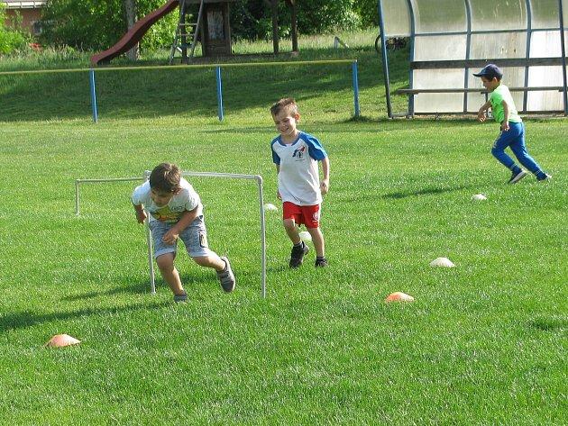 Fotbalová školička v Nových Dvorech začala v úterý.