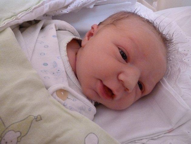 Jirka Loučka se narodil 1. února v Čáslavi. Měřil 53centimetrů a vážil  3660gramů. S maminkou Marcelou a tatínkem Jirkou bydlí v Čáslavi.