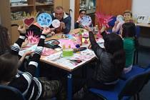 Tvořivé dílny na základní škole podpořilo centrum Maják